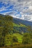 教会看法在奥地利边界的意大利阿尔卑斯 库存图片