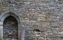 教会石墙背景 免版税库存图片