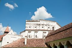 教会筑了堡垒于中世纪transylvania 免版税库存图片