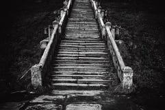 教会老楼梯 免版税库存图片
