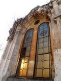 教会老视窗 免版税库存图片