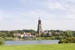 教会荷兰语河边区村庄 库存图片