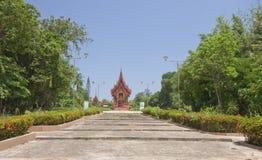 教会路寺庙泰国对ubonratchatani 免版税库存图片