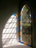 教会轻的视窗 免版税库存照片