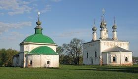 教会金黄环形suzdal的俄国 免版税库存图片