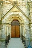 教会门道入口 免版税库存图片