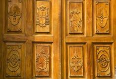 教会门金黄墨西哥木头 库存图片