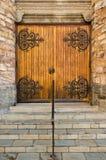 教会闭合的门 库存图片