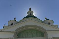 教会,圆顶,十字架,天空,鸟,宗教,伟大,正教,建筑学,太阳 图库摄影