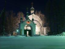 教会 晚上 突然显现霜 免版税库存照片