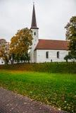 教会catolic五颜六色的秋天 库存图片