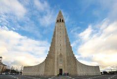 教会hallgrimskirkja冰岛雷克雅未克 免版税库存图片