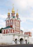 教会novodevichy女修道院的门 免版税库存照片