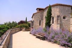 教会Pujols中世纪村庄多尔多涅省法国 库存照片