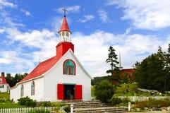 教会tadoussac村庄 免版税库存照片