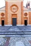教会vergiate老闭合的砖塔边路意大利 免版税库存图片