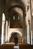 教堂中殿-大教堂Notre Dame - Orcival -法国 免版税库存图片