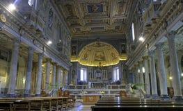 教堂中殿pietro ・罗马圣vincoli 免版税库存照片