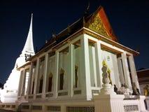 教堂和stupa 免版税库存图片