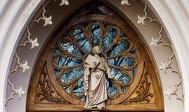 教堂哥特式peterhof 圣亚历山大・涅夫斯基教会 免版税库存照片
