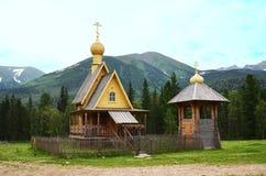 教堂在夏天森林里 库存照片