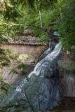 教堂秋天,被生动描述的Rocks全国湖岸,密执安,美国 图库摄影