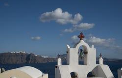 教堂钟在Ia,圣托里尼,希腊 免版税图库摄影