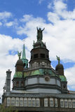 教堂雕象顶层 库存照片