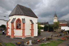 教堂duppach坟园 免版税库存图片