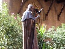 教士的伊斯坦布尔雕象在教会里 库存图片