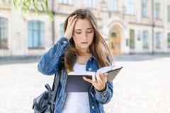 教室困难的害怕懒惰项目没准备好失败家庭作业 免版税库存图片