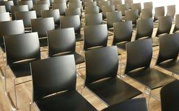 教室在没有人的会议中心 免版税库存图片