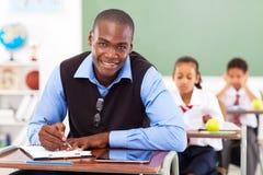 教师在教室 免版税库存照片