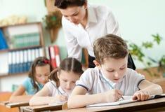 教师执行任务执行 免版税图库摄影