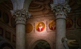 教皇方济各马赛克在城外圣保禄大殿,在罗马 免版税库存图片