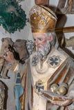 教皇老雕象关闭在艺术家演播室 库存照片