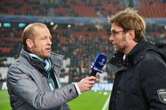 教练Jurgen Klopp被采访 库存照片