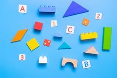 教育教育玩具固定式为浓缩的算术和的字母表 免版税库存照片