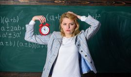 教训日程表概念 断裂的时刻 时间有她的问题 受欢迎的老师学年 健康每日政权 库存照片