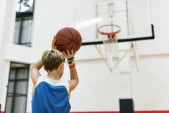 教练运动员篮球跳动体育概念 库存照片