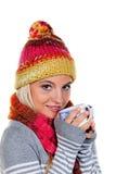 敞篷热茶温暖的妇女 免版税库存图片