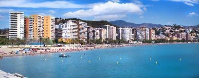 散步和海滩看法在MÃ ¡ laga,安大路西亚(西班牙) 免版税库存照片