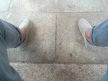散步在我的鞋子 免版税库存图片