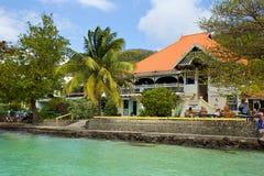 散步在贝基亚岛,加勒比 库存照片