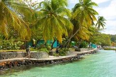散步在贝基亚岛,加勒比 免版税库存图片