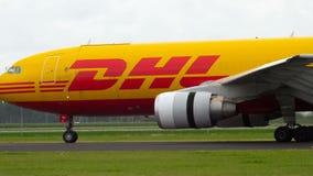 敦豪航空货运公司空中客车310着陆 影视素材