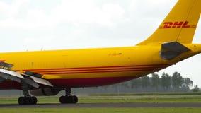 敦豪航空货运公司空中客车310着陆 股票视频