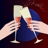敬酒在水晶玻璃的手红葡萄酒 免版税库存图片