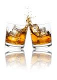 敬酒威士忌酒玻璃 库存图片