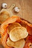 敬酒的面包新鲜 免版税库存照片